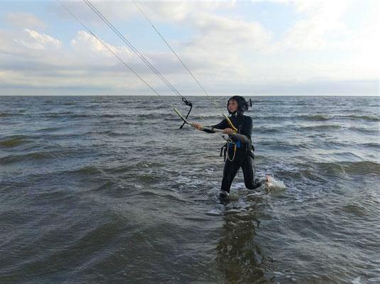 Dein Nachwuchs beim Kitesurfing in St. Peter Ording