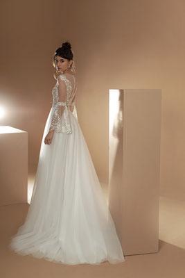 Brautkleid mit zarten Ärmeln und Tüllrock