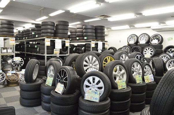 タイヤ在庫豊富