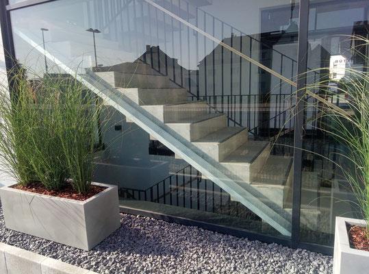 Pflanzkübel als Sichtschutz