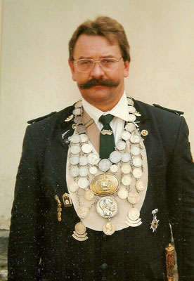1995 Frank Buchwald