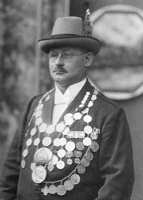 1925 Hermann Weiland
