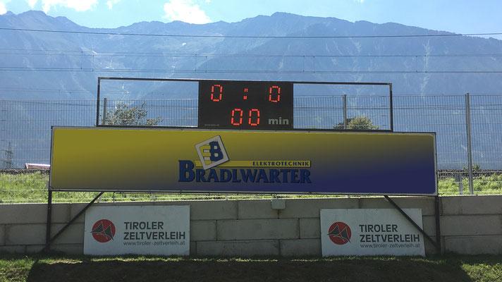 LED Anzeige auf Fussballplatz Rietz