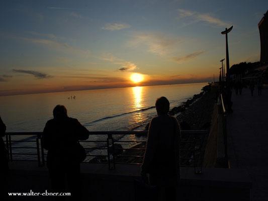 ....so jetzt haben wir den Sonnenuntergang fast geschafft....