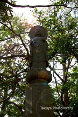 06c-0019 浦添城跡 戦没者慰霊のための「和光地蔵尊」