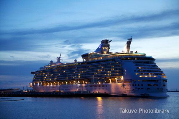 15-0035 MARINER OF THE SEAS マリナー・オブ・ザ・シーズ 138,279トン 全長310m