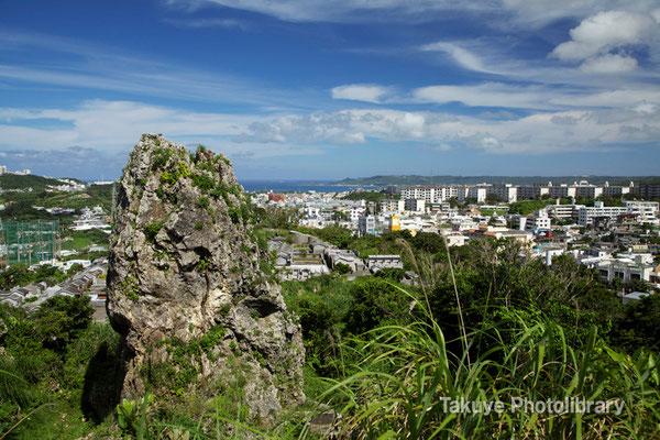 06c-0002 浦添城跡の最東端にある「ハナリジー」別名:為朝岩
