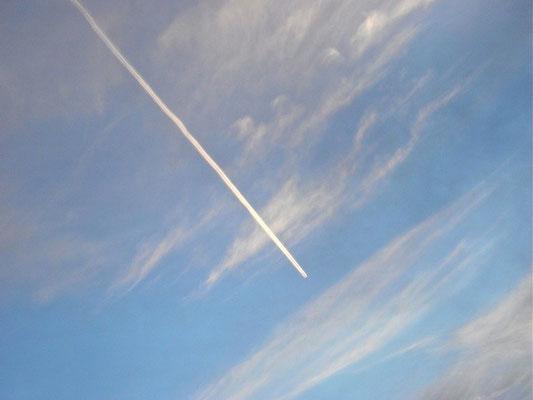 07-0057 飛行機雲