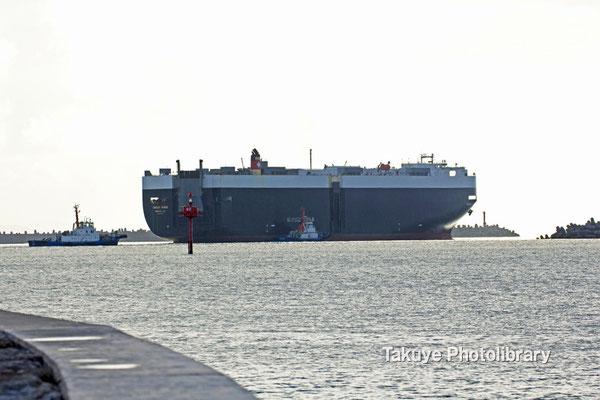 15-0037 GREEN RIDGE 自動車運搬船 アメリカ船籍 今治造船が建造 総トン数 57,449トン