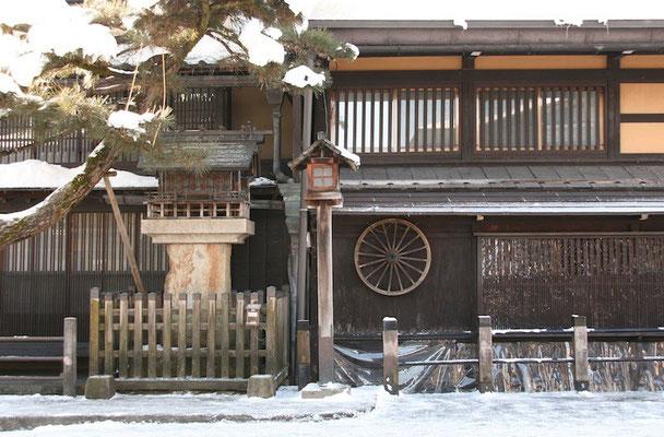 09-0034 飛騨高山の古い街並