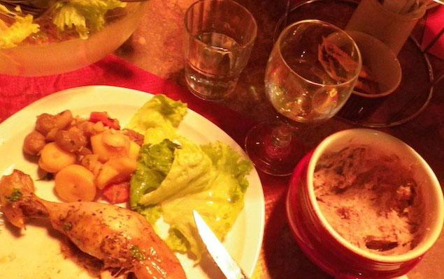 10-0025 豚肉を白ワインでことこと煮込んだねっとりとしたペーストの リエット。フゥアスとベストマッチ!
