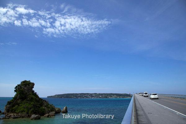 07a-0001 古宇利島と大橋