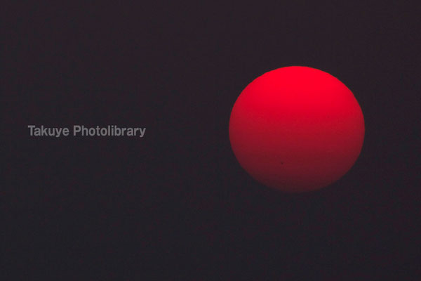 07c-0007 真赤な太陽