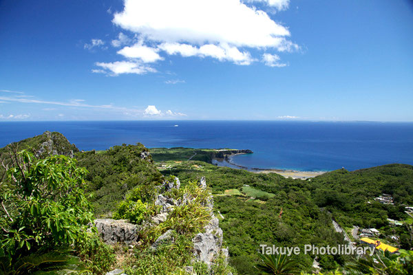 06e-0004a シヌクシ嶽から観た辺戸岬。