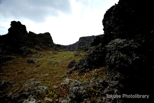 06a-0016 南のアザナ城壁