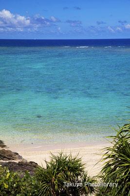 07-0096 七色に輝く沖縄の海