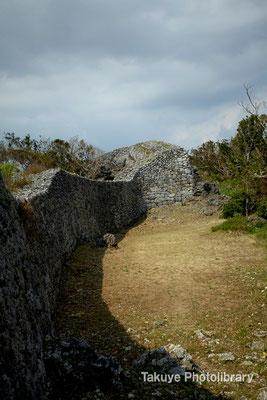 06a-0009 北のアザナ城壁