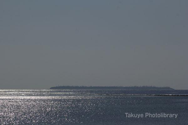 07-0088 海に散りばめた光 水納島