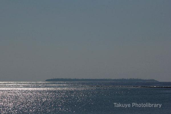 07-0088 海に散りばめた光