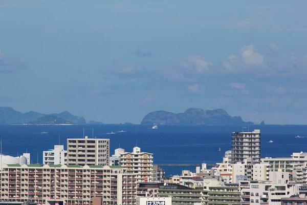 88-0006 ケラマ諸島と那覇市街地 首里 北森御嶽(ニシムイウタキ)からの眺望