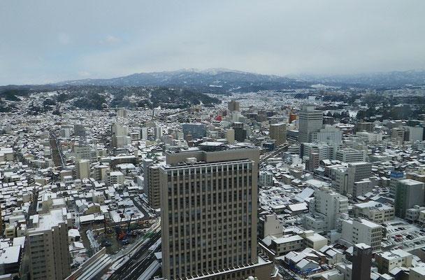 09-0023 金沢市街と白山