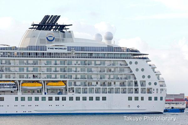 15a-0007 分譲マンション型クルーズ船 THE WORLD 43,524トン 196.35m