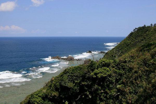 07-0033 国頭村の海岸線