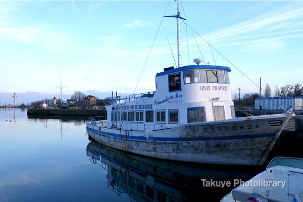 10-0087 ノルマンディー地方、早朝のオンフルール漁港