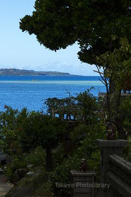 07d-0008 備瀬崎部落と伊江島 海と島を借景する