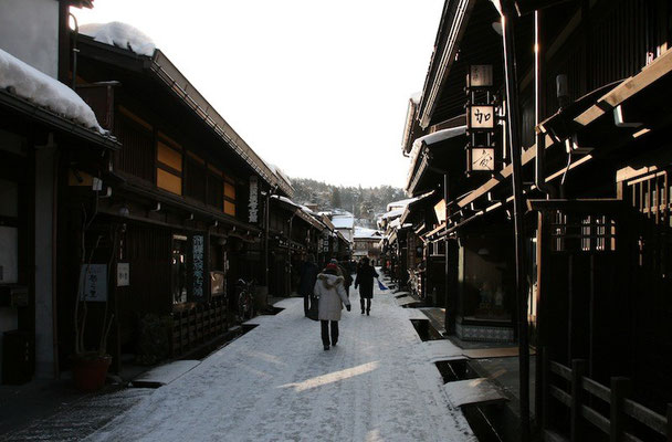 09-0033 飛騨高山の古い街並