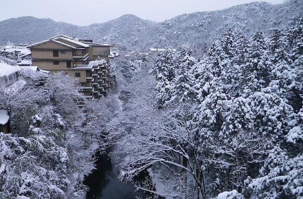 09-0026 山中温泉の雪景色