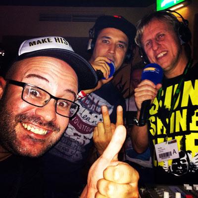Photobombing Sean Finn & DJ Falk