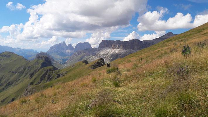 Empfehlenswert: Der Höhenweg von Porta Vescovo nach Col di Rosc