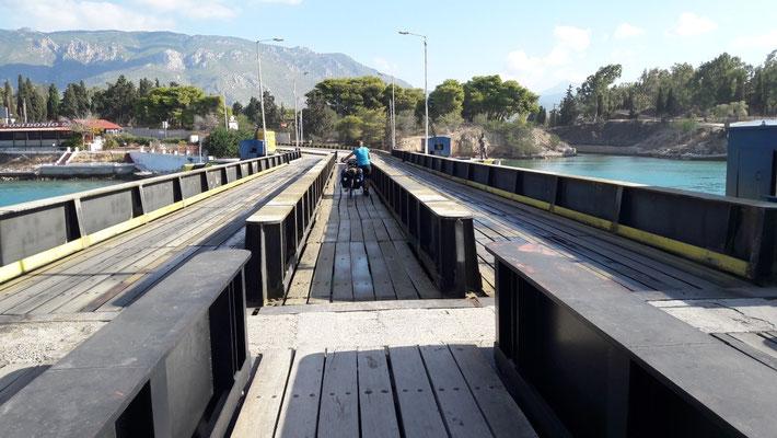 Brücke beim Kanal von Korinth