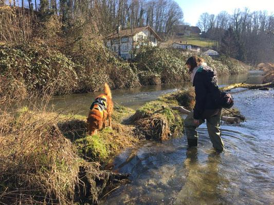Denise mit Django von Artenspürhunde Schweiz.