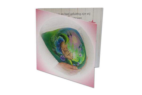 Geboortekaartje met buikbeschildering