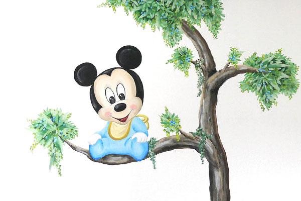 Mickeu Mouse muurschildering op kinderkamer