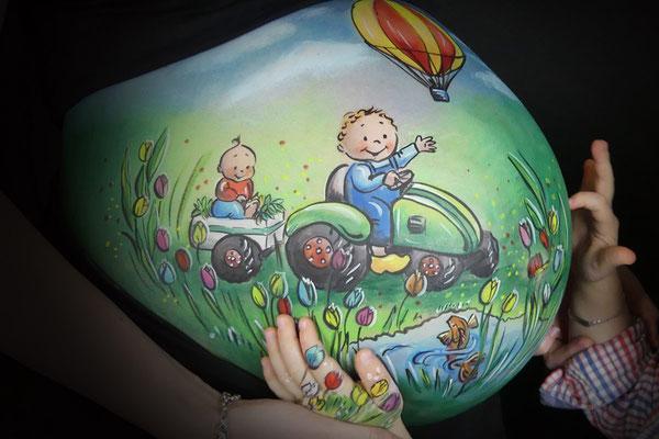 Voor een jongetje een stoere bellypaint met tractor