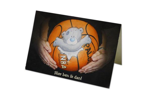 Buikschildering op het geboortekaartje