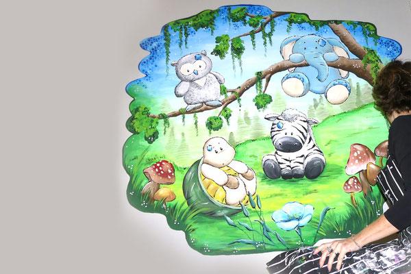Lieve schattige diertjes in deze muurschildering