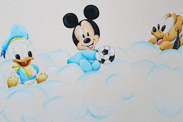 Muurschildering babykamer met Mickey Mouse