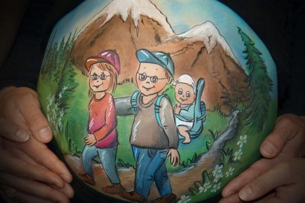 Het reizende gezinnetje op avontuur in deze buikschildering