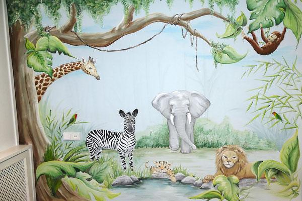 Dieren muurschildering in jungle thema