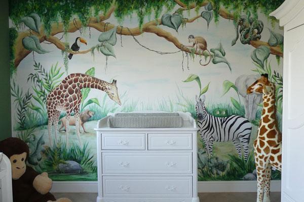 Jungle thema op deze babykamer