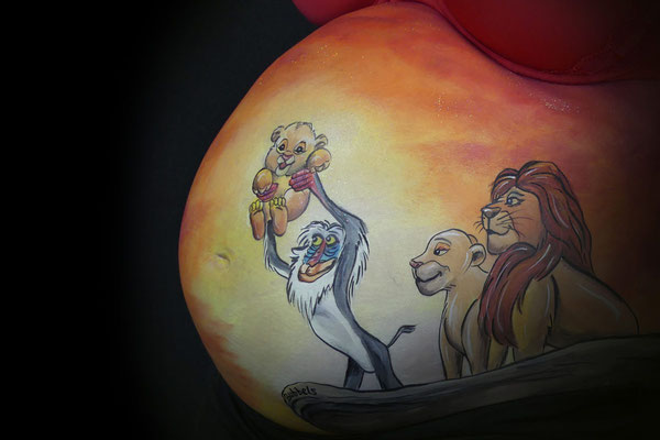 Scene uit de Lion King in de bellypaint