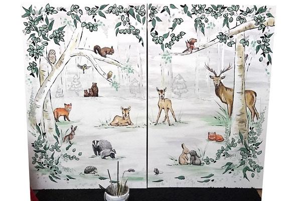 Tweeluik van grote canvassen op babykamer ipv muurschildering