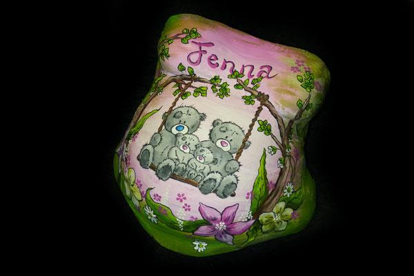Een gipsbuikbeschildering als aandenken aan je zwangerschap