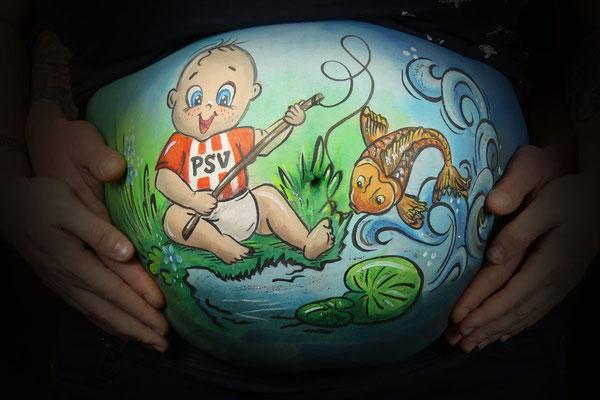 bellypaint met 2 hobby's erin verwerkt, PSV en vissen