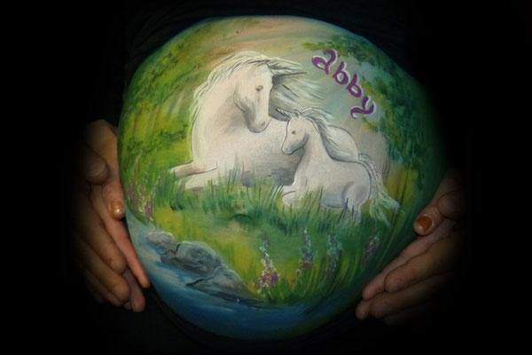 Eenhoorns, unicorns op de bellypaint