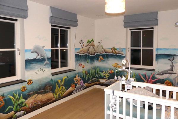Onderwater muurschildering op babykamer